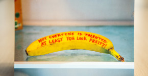 Message on banana